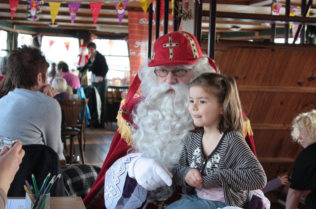 Sinterklaasvaart pannenkoekenboot rotterdam for Kerstbrunch rotterdam