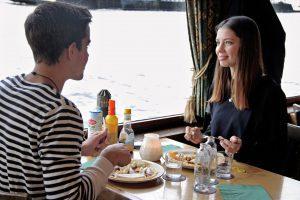 Valentijnsvaart op valentijnsdag pannenkoekenboot rotterdam for Kerstbrunch rotterdam